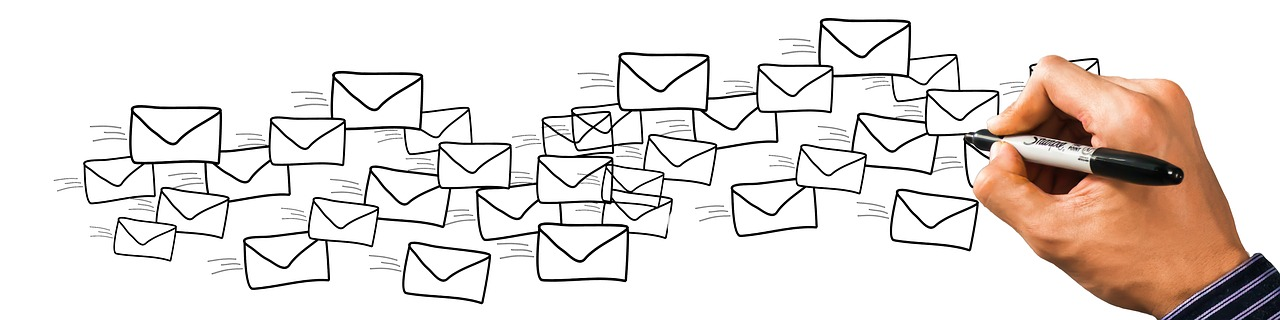 Email marketing: reach large groups and use one-to-one messages